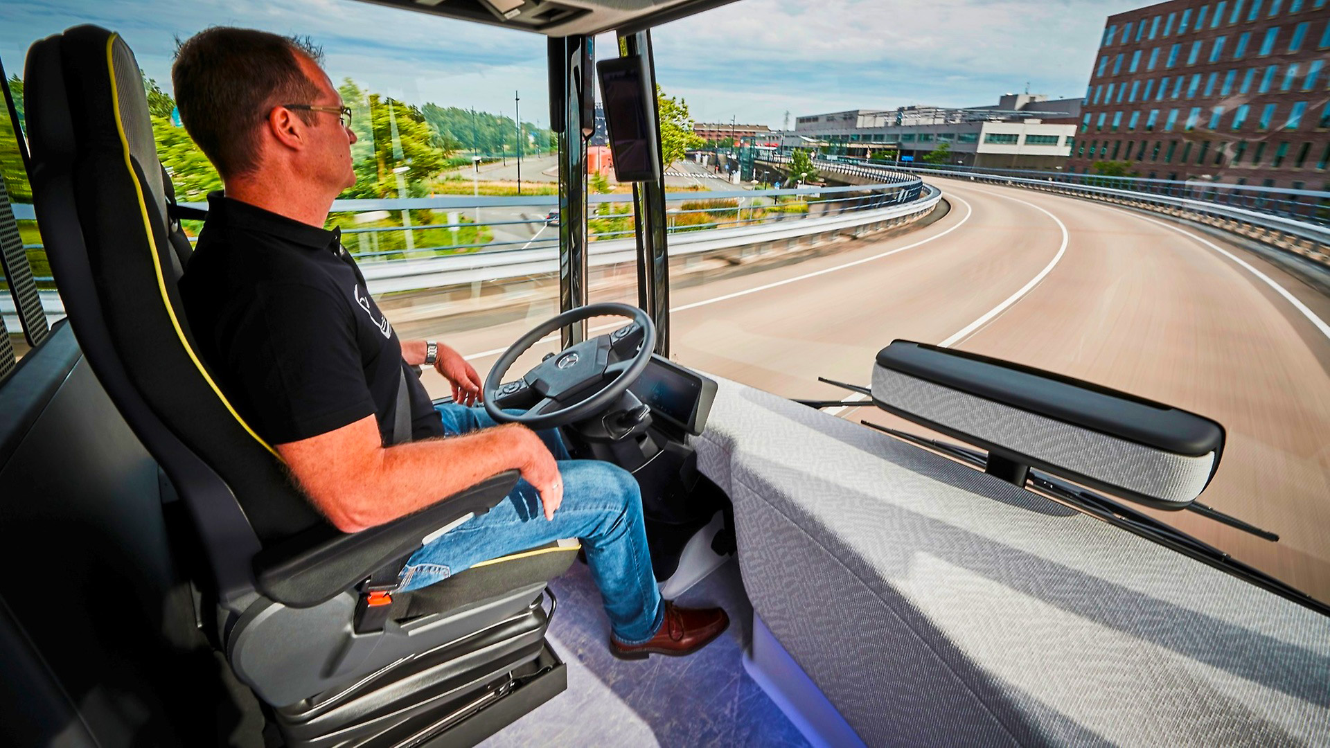 Driver on Electric Buses, Planning, Scheduling and Operations| Trapeze Group
