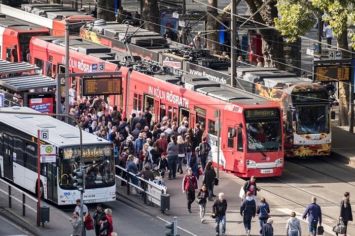 Kölner Verkehrs-Betriebe AG Case Study - AVLC Intelligent Transport System AVLC Bus Tram   Trapeze Group